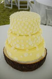 Yellow Daisy Cake The Bride Had A Rustic Theme Planned For Her Wedding Reception With Daisies Gingham Twine And Rough Cut Wood Signs