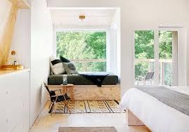 fensterplatz im schlafzimmer sinnvoll einrichten freshouse