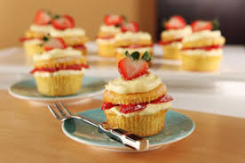 Stuffed Fresh Strawberry Cupcakes