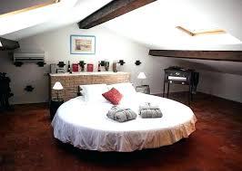 Chambre Avec Lit Rond Lit Rond Design Pour Lit Bebe Rond Grand Lit Rond Chambre Avec Lit A Eau En Provence