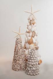 Seashell Christmas Tree Garland by 56 Best Seashell Christmas Trees Images On Pinterest Beach Home