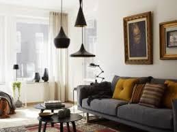 salon canapé gris canapé gris et jaune moutarde par dekobook