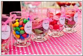 decoration pour anniversaire modèle déco de table anniversaire bébé décorations de table