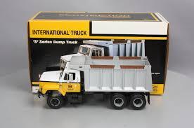 100 First Gear Garbage Truck 400190 125 International Harvester SSeries Dump
