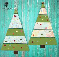 DIY Shabby Chic Pallet Christmas Tree Decor