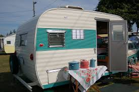 Bright 1965 Vintage Aloha Travel Trailer Painted In Attractive Turquoise And Blue Color Design