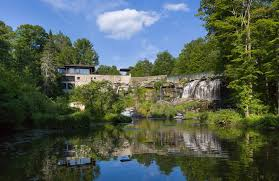 100 Water Fall House Property Of The Week A House Built Above A Waterfall In New