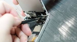 How to Repair Your Cracked iPhone Display