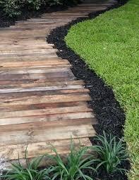 DIY Wooden Pallet Garden Path Ideas