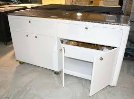 cuisine sur roulettes meuble cuisine sur meuble de cuisine itinerant sur