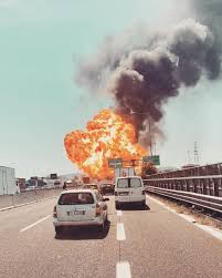 100 Tanker Truck Explosion Three Dead In Bologna Highway Gas Tanker Explosion Houston Style