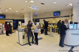 bureau de poste le bureau de poste s offre une cure de jouvence actu fr