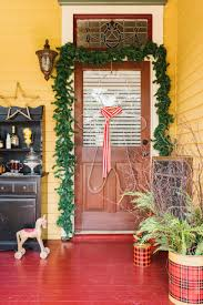 Easy Office Door Christmas Decorating Ideas by Front Yard Christmas Decorations Hgtv
