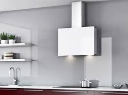 hotte de cuisine design la hotte design s affiche en cuisine décoration