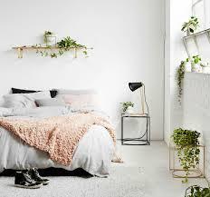 blumen und pflanzen im schlafzimmer schädlich oder gut für