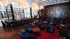 ein neues wohnzimmer für hamburg die elegante bar des hotel