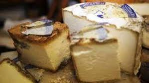 un tour du monde des fromages à pâte persillée ou fromages bleus