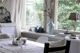 wohnzimmer dekoration fensterbrett inspiration jude