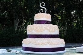Purple Off White Round Wedding Cake