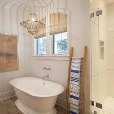 Chandelier Over Bathtub Soaking Tub by Roll Top Soaking Tub Design Ideas