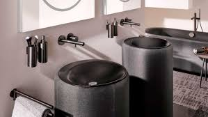 schwarzes badezimmer trendfarbe bringt eleganz ins bad
