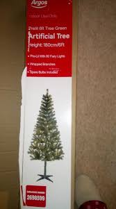 6ft Christmas Tree Nz by Argos Customer Orders Christmas Tree But What Was Delivered Was