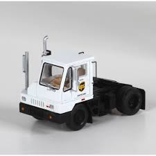 HO RTR Yard Tractor, UPS/White (ATH29417): Athearn Trains