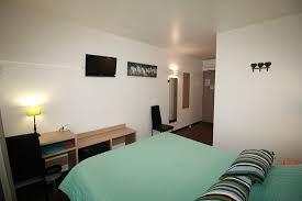 coffre fort de bureau chambre confort lit 160cm couette bureau télé coffre fort