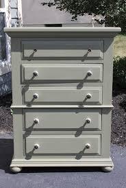 Mens Wooden Dresser Valet by Best 25 Solid Wood Dresser Ideas On Pinterest Chalkboard