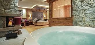 hotels mit whirlpool im zimmer privater wellnessgenuss