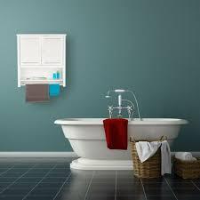 hängeschrank weiß lamell badschrank mit handtuchhalter wandschrank aus bambus hbt 66 x 62 x 20 cm