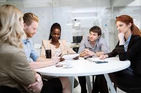 bureau conseil d administration gens d affaires de réunion du conseil d administration dans le