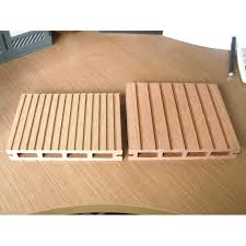 Runnen Floor Decking Outdoor Brown Stained by Deck Plastic Base Wood Floor Interlocking Decking Tiles Outdoor