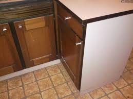 parquet flottant dans une cuisine pose parquet flottant autour meuble de cuisine n communauté