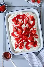 erdbeer tiramisu mit vanille mascarpone creme und löffelbiskuits