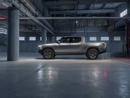 100 Super Trucks Plus 2020 Rivian R1T Is An ElectricPowered Truck With Range