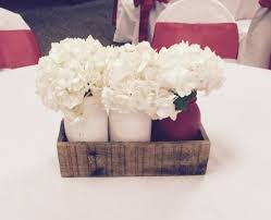Items Similar To RUSTIC WEDDING CENTERPIECES Pallet Wood Boxes With 3 Quart Painted Mason Jars In White And Red Perfect For Wedding Or Home Decor