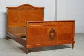 ein antikes schlafzimmer aus der zeit um 1910