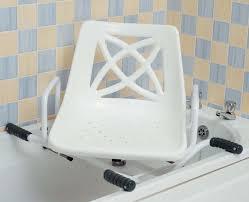 siege baignoire handicapé transfert de salle bain pour se doucher en sécurité sur la baignoire