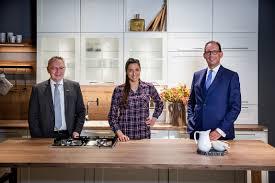 nobilia sally wird markenbotschafterin für die küche aus