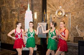 The Empire State Building Lights Up for the 2017 Christmas
