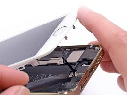 Apple Will Soon fer iPhone 5S iPhone 5C Repairs At Retail