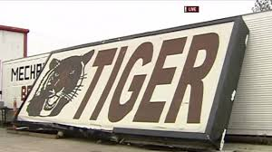 Tiger Kept At Iberville Parish Truck Stop Dies