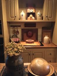 Primitive Kitchen Decorating Ideas by Best 25 Primitive Kitchen Ideas On Pinterest Primitive Paint