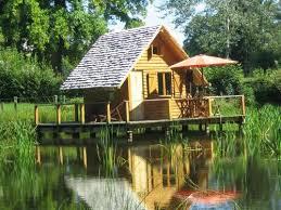 cabane sur l eau sud morvan insolite chambre d hôtes à poil