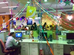 Cubicle Decoration Themes India by Holiday Decorating Themes For Office Christmas Decorating Ideas