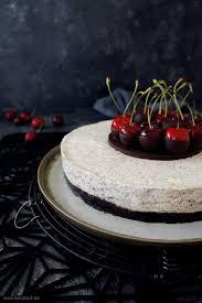 no bake philadelphia mohn torte mit oreo boden und kirschen