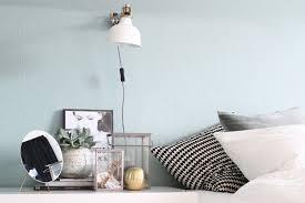 farbfreude schlafzimmer mit einer wand in mint i kolorat