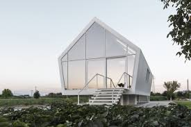100 Eco Home Studio Compact Ecohome In Tuscany Hovers Over Veggie Garden