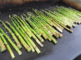 cuisine asperge recette asperges vertes à la plancha asperges vertes du producteur